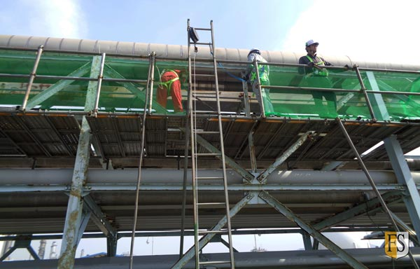 Work on cables at Kumho Petrochemical